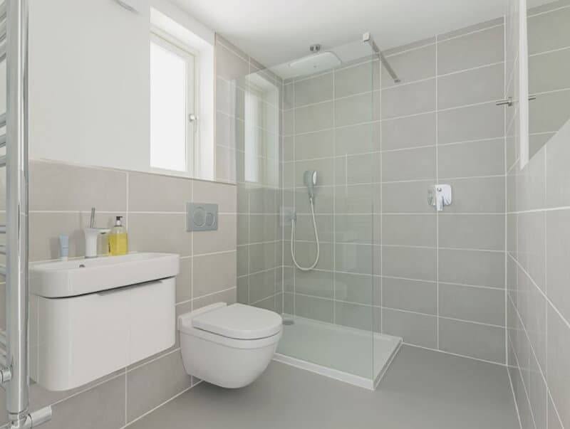 who makes the best wall hung toilet specs