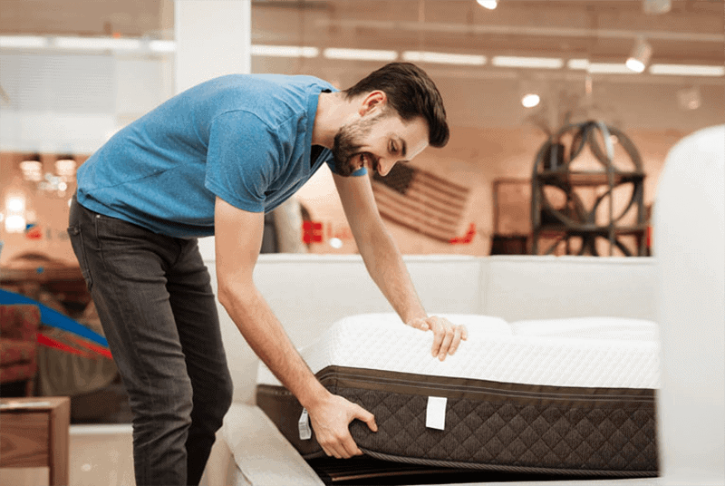 Key Considerations When Deciding On A Mattress For Spinal Stenosis