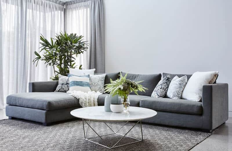 Advantages of Putting a Rug in Your Living Room