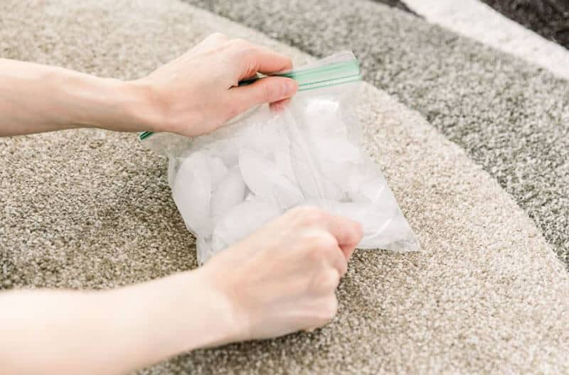 How To Remove Chewing Gum From Sofa Using Ice